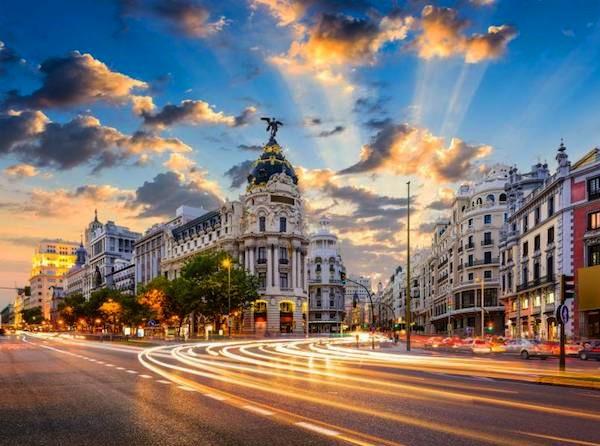 Hotéis em Destaque Madrid
