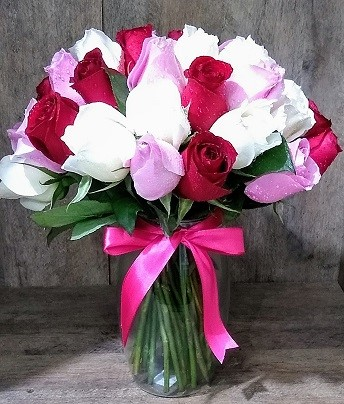Lindo Arranjo 36 rosas coloridas no vidro