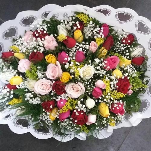Bouquet 48 rosas coloridas